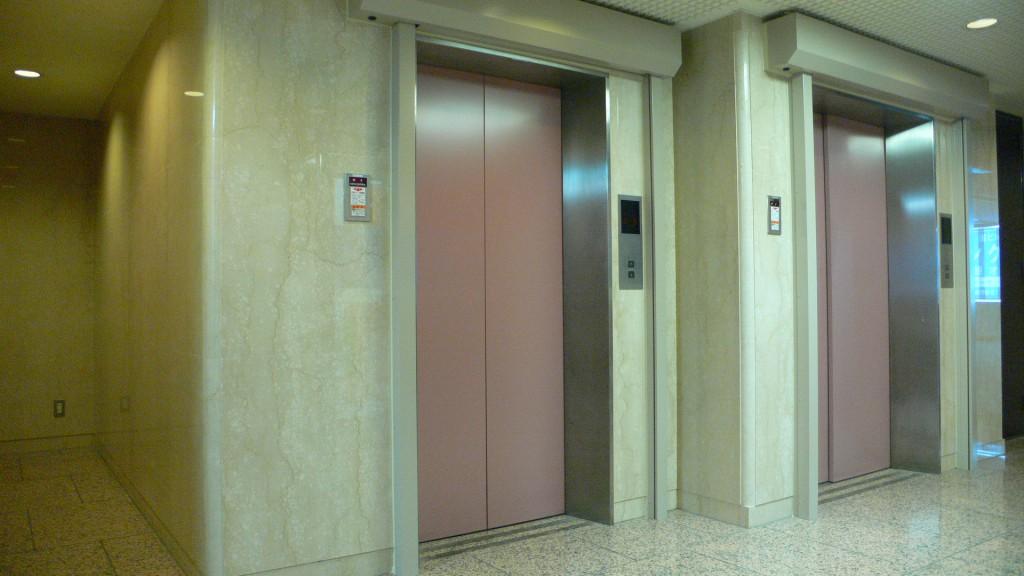 桜ヶ丘Rエレベーター